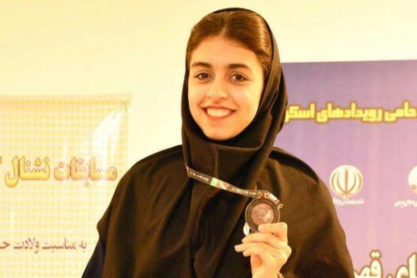 بانوی اسکواش باز گلستانی مقام سوم جایزه بزرگ تهران را کسب کرد