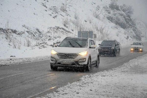 هوای آذربایجان غربی برفی می گردد