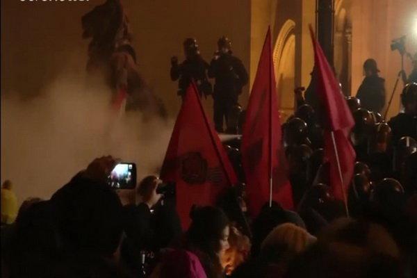 اعتراضات مردمی به طرح برده داری در مجارستان