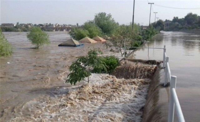 لایروبی رودخانه شور از ورود آب به محور قم-گرمسار جلوگیری کرد