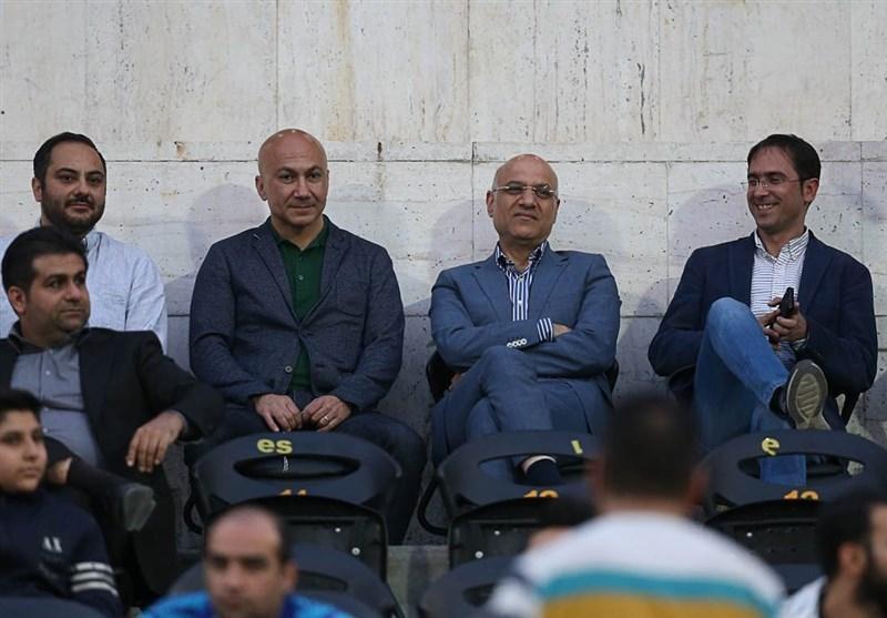 درخواست طرفداران استقلال برای رفتن فتحی از باشگاه و شعار علیه وزیر ورزش