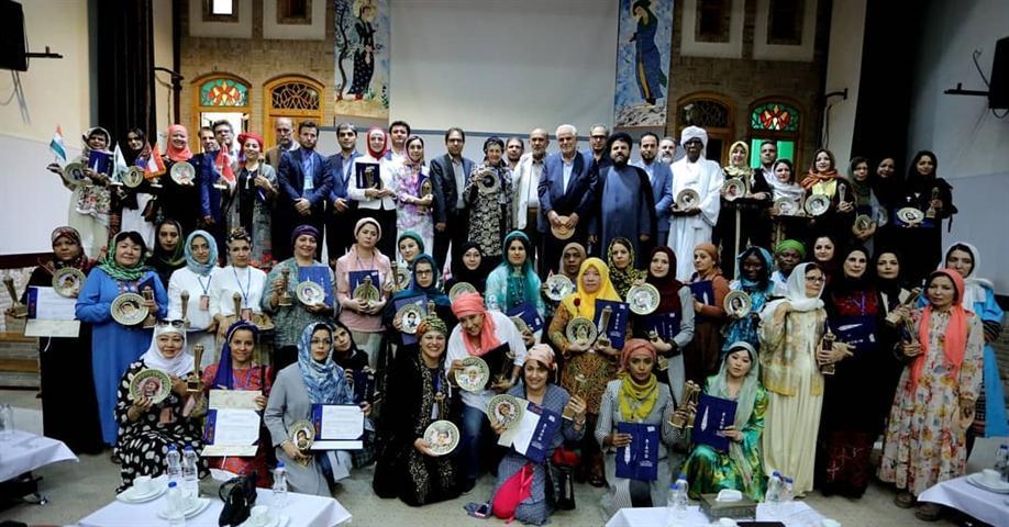 معرفی 4 بانوی هنرمند آذربایجان شرقی به عنوان برگزیدگان چهارمین جشنواره بین المللی خلاقیت و نوآوری تبریز