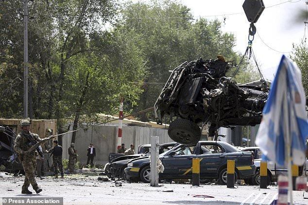 حمله انتحاری طالبان در نزدیکی سفارت آمریکا در کابل