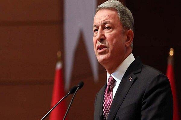 بازدید وزیر دفاع ترکیه از یگان های مستقر در نوار مرزی سوریه