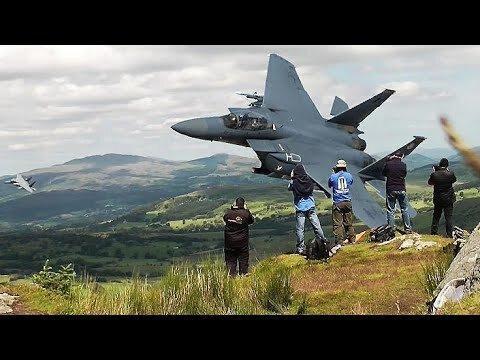 فیلم، تمرین ارتفاع پایین جنگنده های اف 15 سی در دره جنگنده های بریتانیا