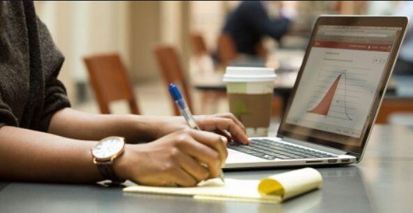 خبرنگاران دانشگاه پیام نور گیلان در ارایه آموزش های آنلاین پیشگام شد