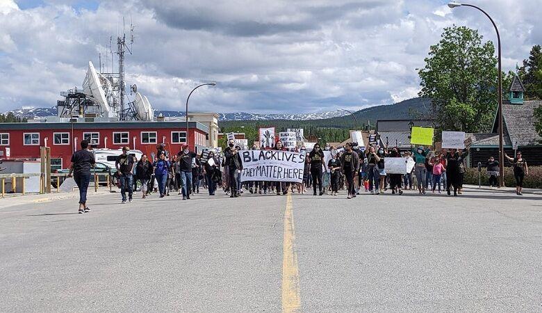 خبرنگاران کانادا، بار دیگر صحنه خشم معترضان نژادپرستی