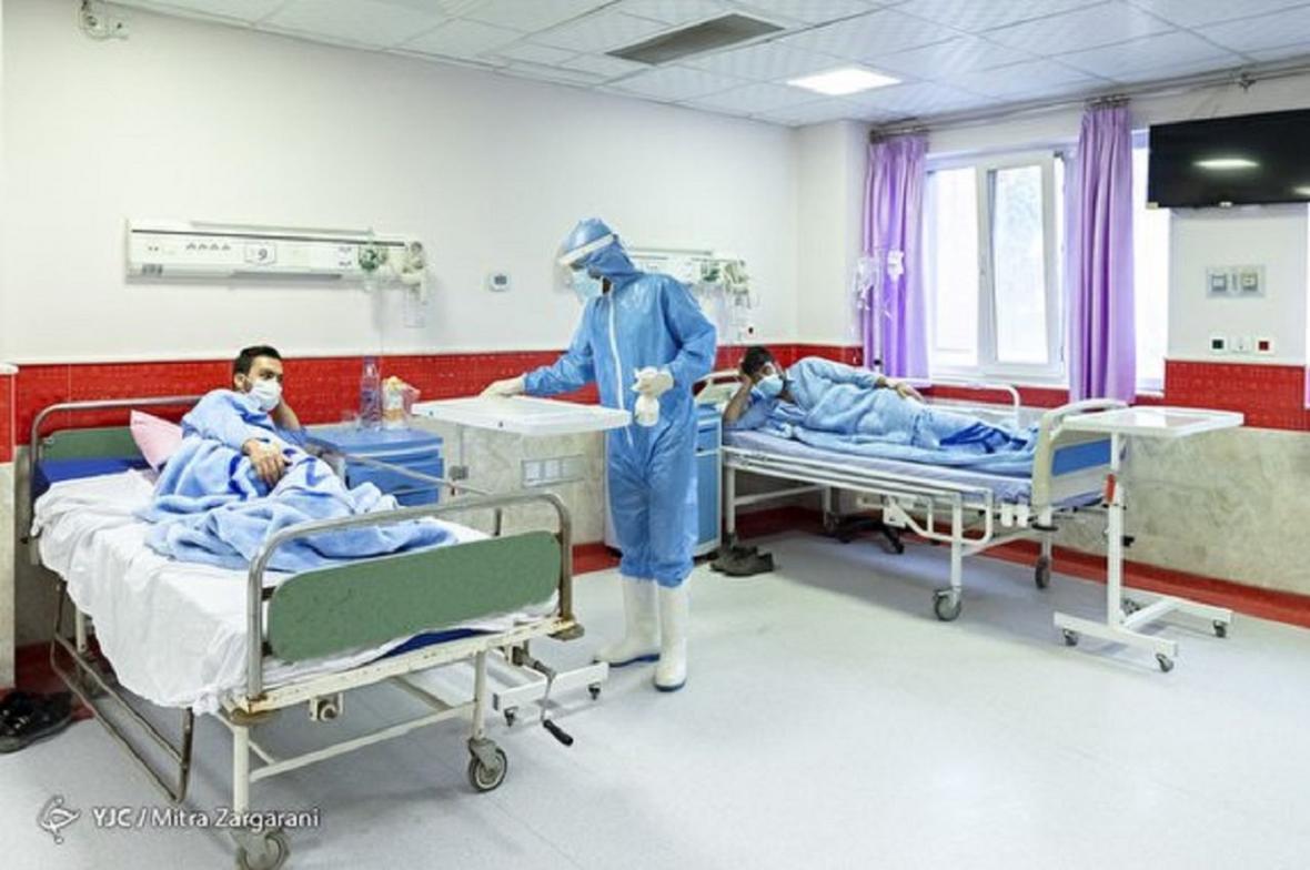 وقتی وزیر بهداشت از وضع تخت های بیمارستانی خبر ندارد، بستری کرونایی ها در پارکینگ بیمارستان و وزارت بهداشت در خواب