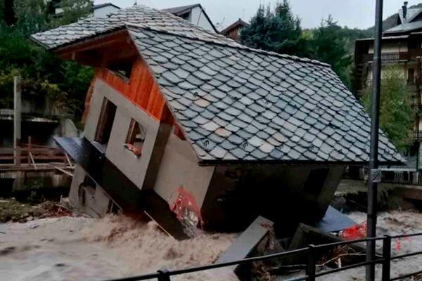 جاری شدن سیل در جنوب فرانسه و شمال ایتالیا، 24 تن مفقود شدند