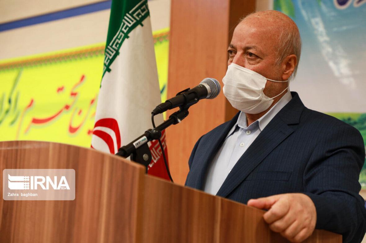 خبرنگاران استاندار اصفهان: مقاومت صنایع در برابر تحریم ها، نویدبخش آینده روشن است