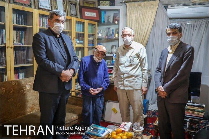 قلب تهرانشناس 96 ساله همچنان برای تهران می تپد