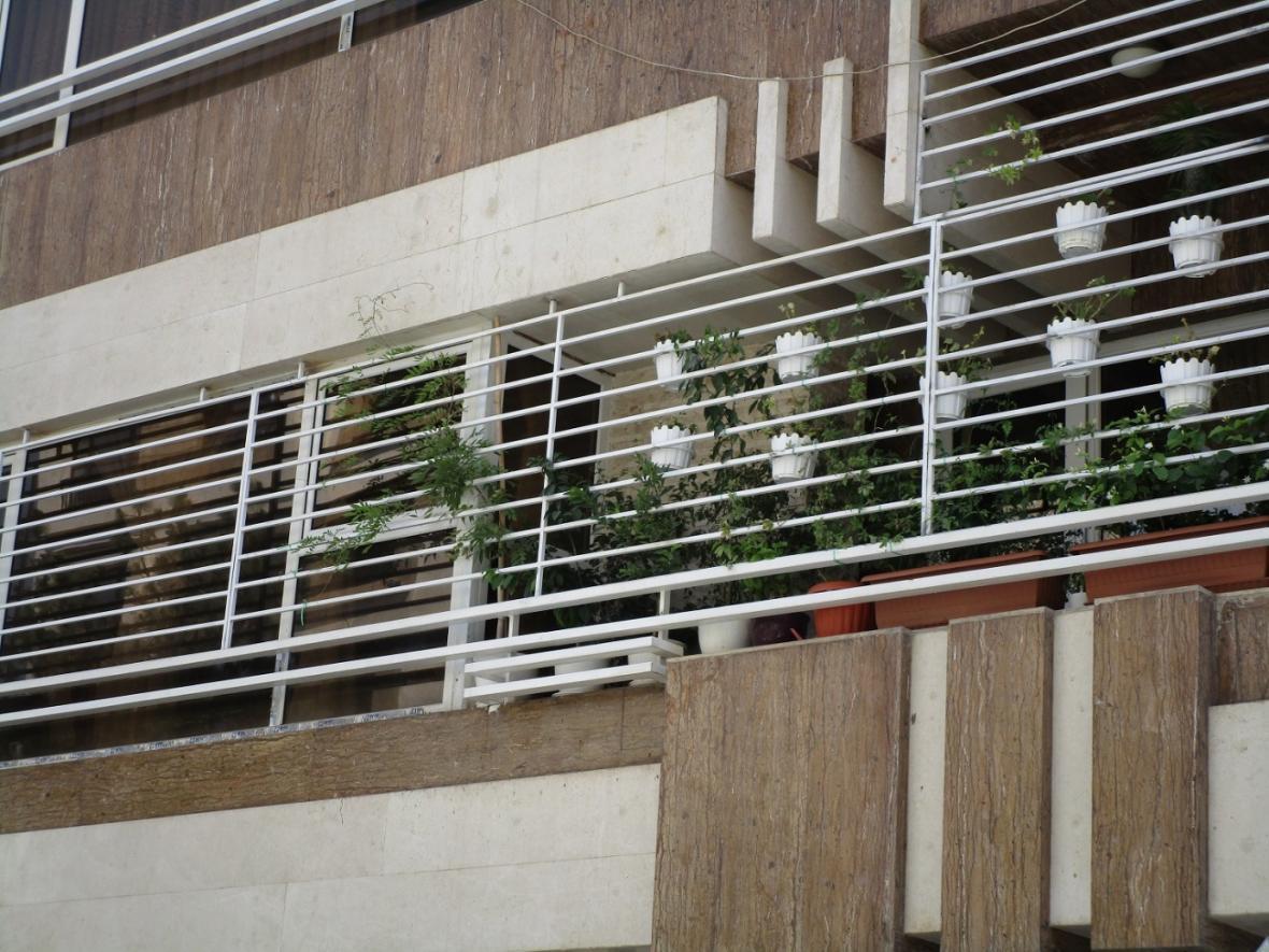چگونه خانه خود را با نرده بالکن و حفاظ پنجره ایمن تر و زیباتر کنید؟