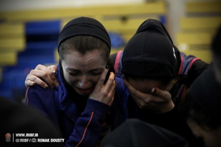(عکس) ماجرای تصویر عجیب لیگ برتر بسکتبال بانوان؛ اشک دختر امریکایی هم درآمد