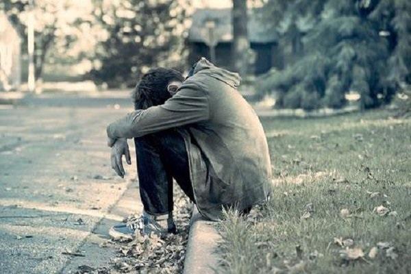 ارتباط نیازهای کاذب زندگی و بروز افسردگی