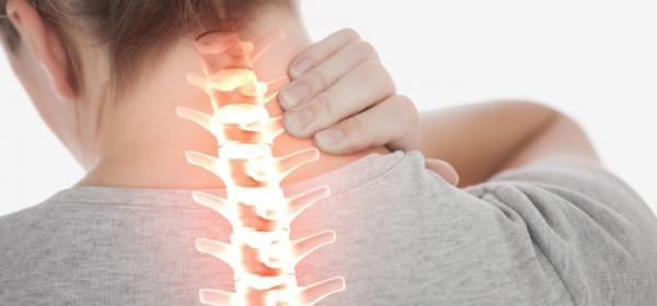 مهمترین علائم آرتروز گردن چیست؟